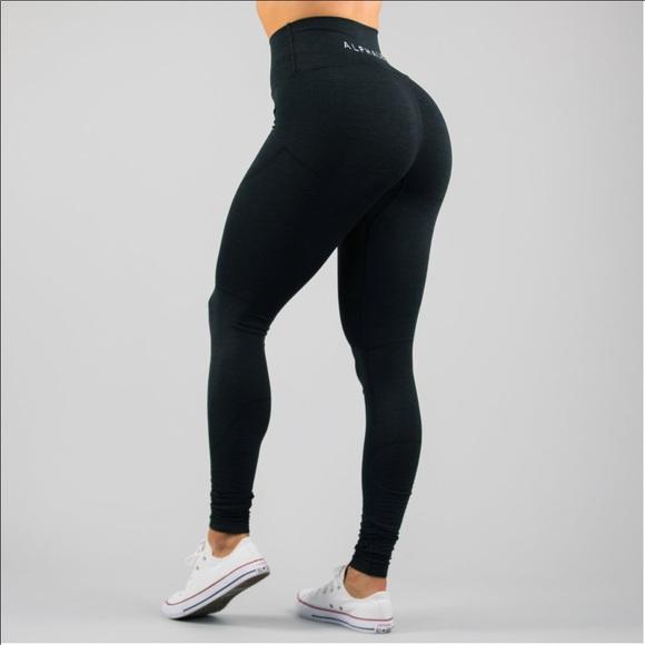 923e290ec8b83 Alphalete Revival small black leggings